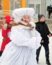 Михаил Закомалдин вручил подарок школьнице от Приволжского полпреда